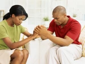 black-married-couple-praying-300x226